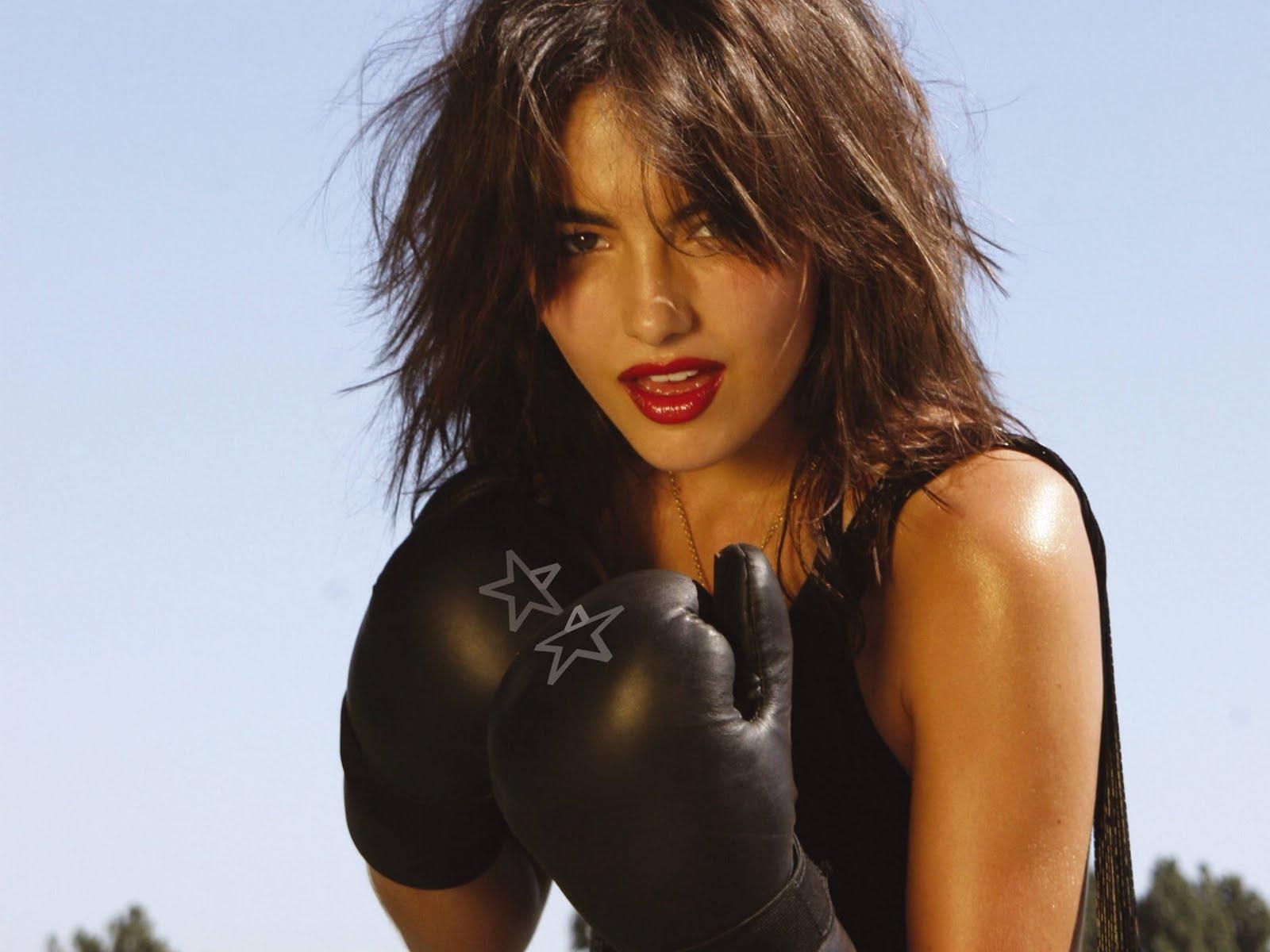 http://4.bp.blogspot.com/-Cs0Cg7eFSjw/TmS70MqKUXI/AAAAAAAAA_c/1xfquu68iMo/s1600/Hot+Camilla+Belle+Pictures+%252814%2529.jpg