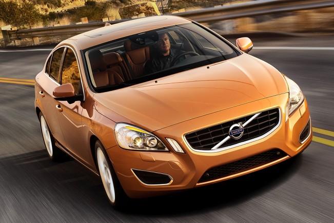 Volvos garage 2011 o volvo s60 h pouco comeou a ser vendido no brasil e quem considera o nvel de segurana dos carros um fator decisivo para a compra ganha mais um fandeluxe Image collections