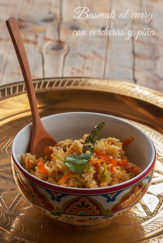 basmati al curry con verduras y piña