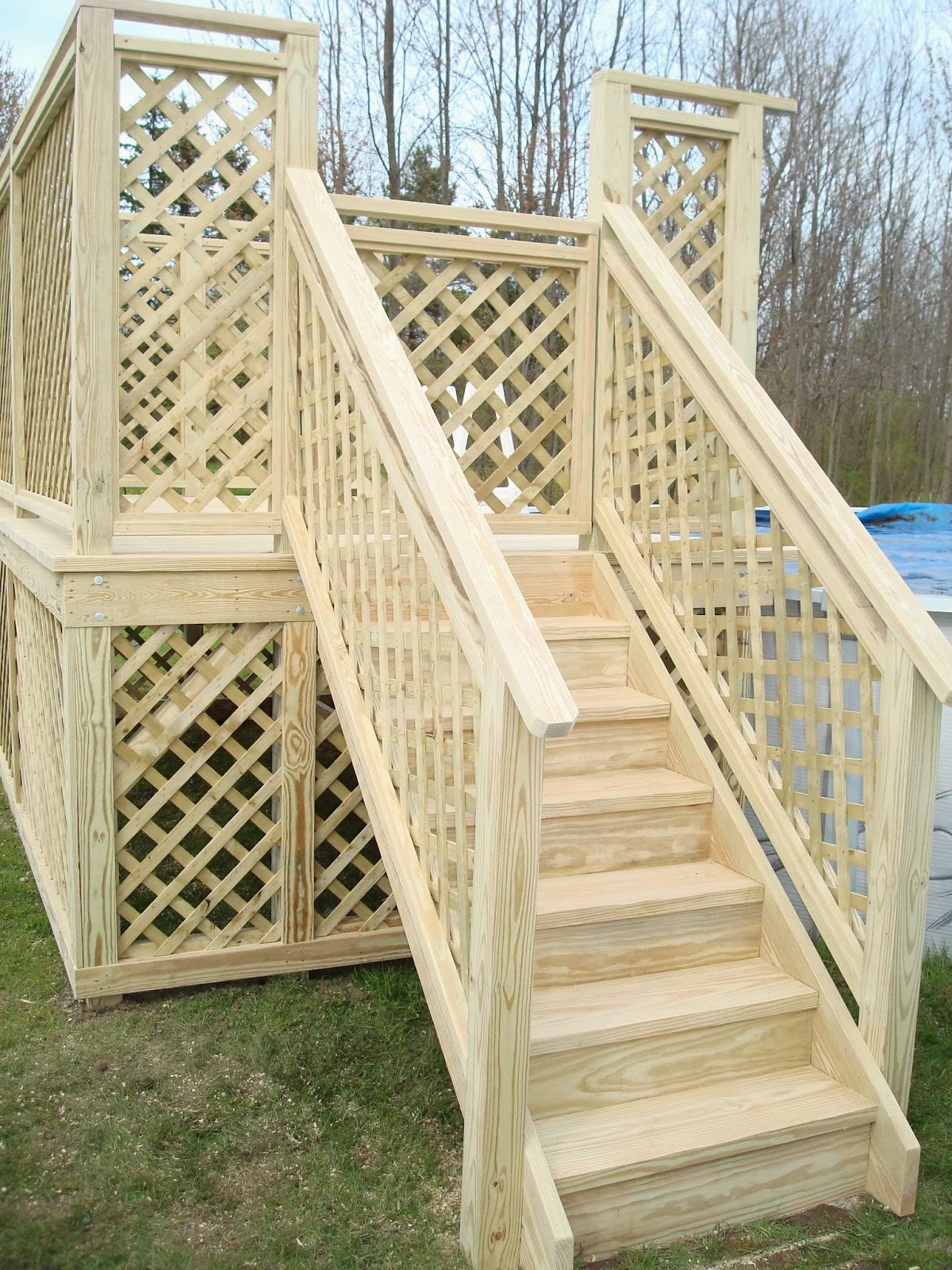 Currydecks for Above ground pool decks with lattice