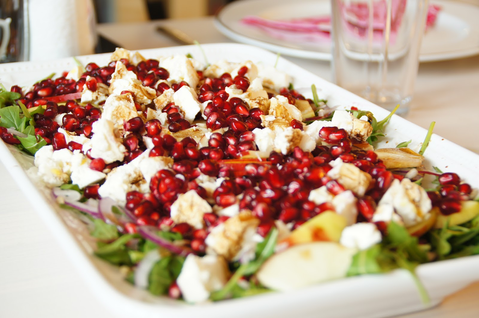 Coco Co Grønne Fisk Rød Salat Samt Pære Crumble