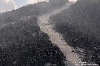 Aydos Tepesine Kışın Tırmanan İnsanlar
