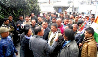 Hill TMC activists led by Rajen Mukhia protests against Darjeeling Municipality