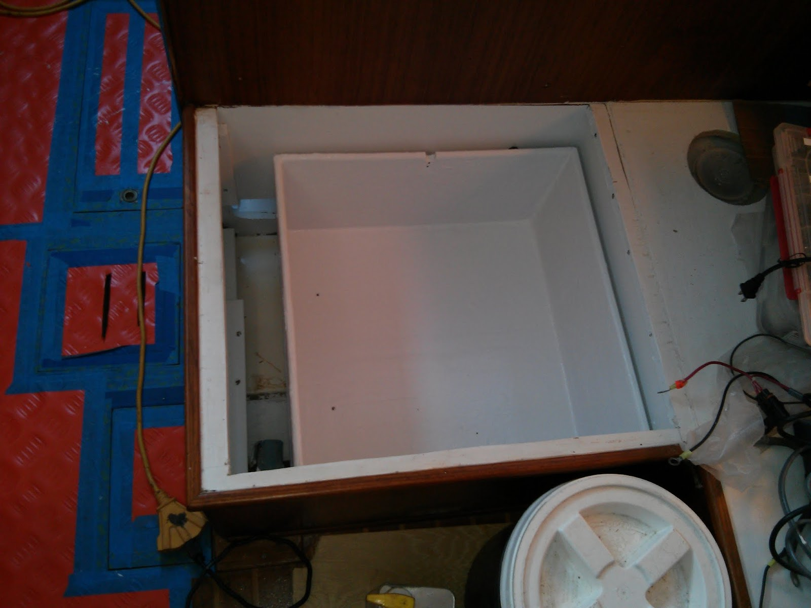 2014 04 10%2B08.08.16 sv pilgrim securing the house battery bank lovett bilge pump wiring diagram at webbmarketing.co