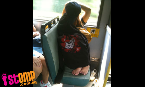 http://4.bp.blogspot.com/-Ctj7GsVR4vY/Te7yDLWonlI/AAAAAAAAABs/p4GxfH2YWSs/s1600/sleeping_with_style_girl_curls_up_on_bus_with_feet_on_seat-thumbnail.jpg