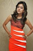 Vithika sheru latest Glamorous Photos Gallery-thumbnail-1