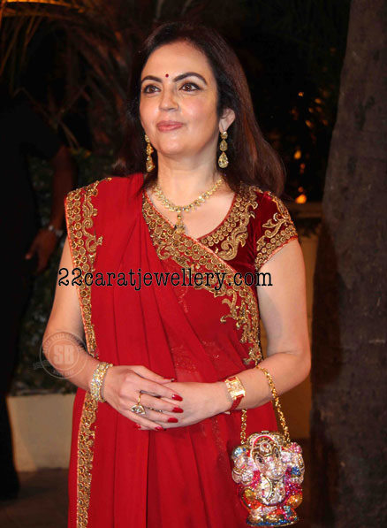 Neeta Ambani In Simple Kundan Set Jewellery Designs