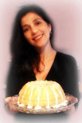 SANDRA REIS, a Autora