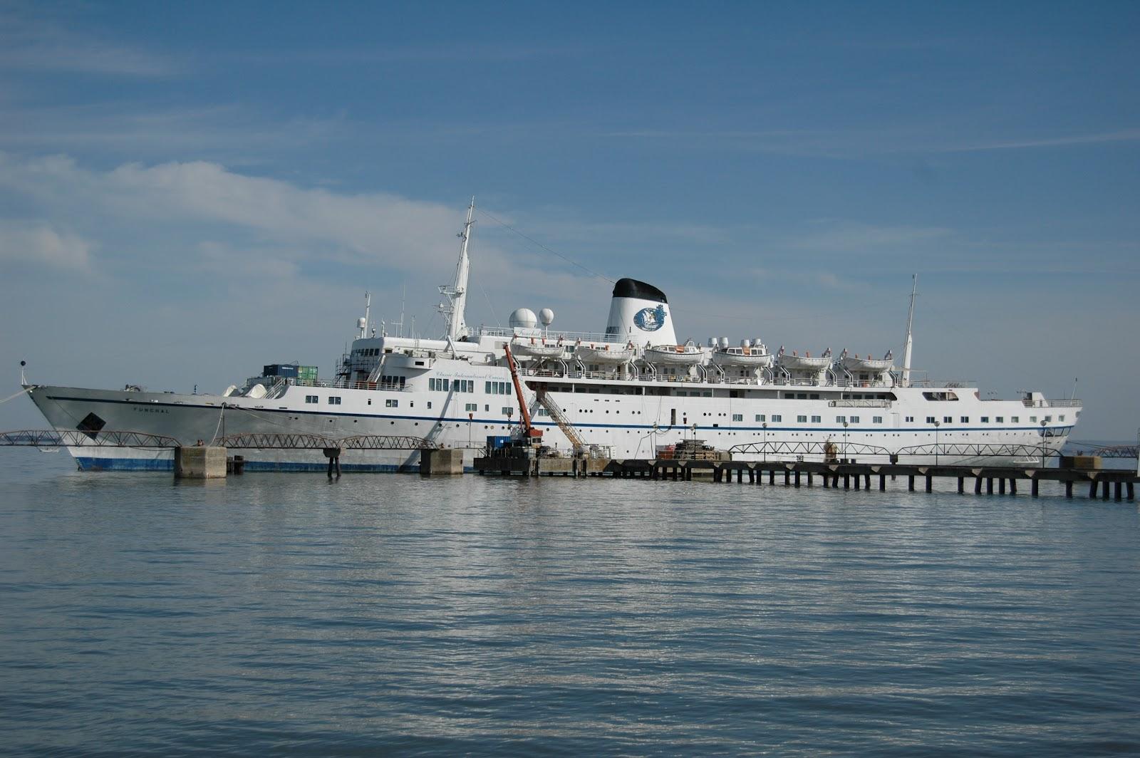 Portuguese Cruise Ship  U0026quot Funchal U0026quot