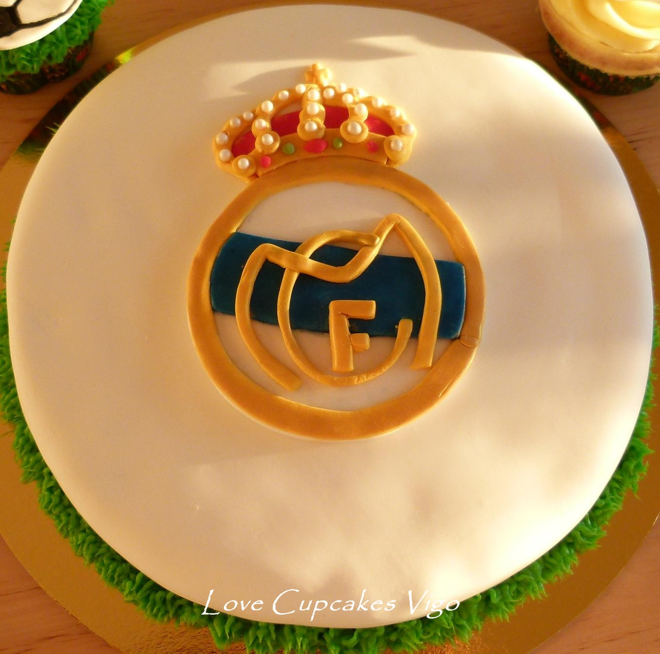 Real madrid soccer football birthday party ideas madrid real madrid and real madrid soccer - Real madrid decorations ...