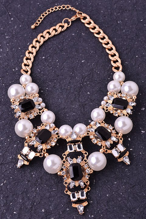 pearl white statement necklace