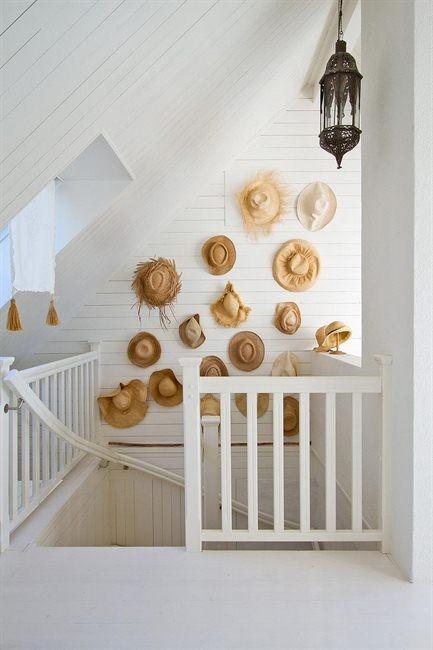 Shorely chic straw hat wall decor for Decoracion hogar 2012
