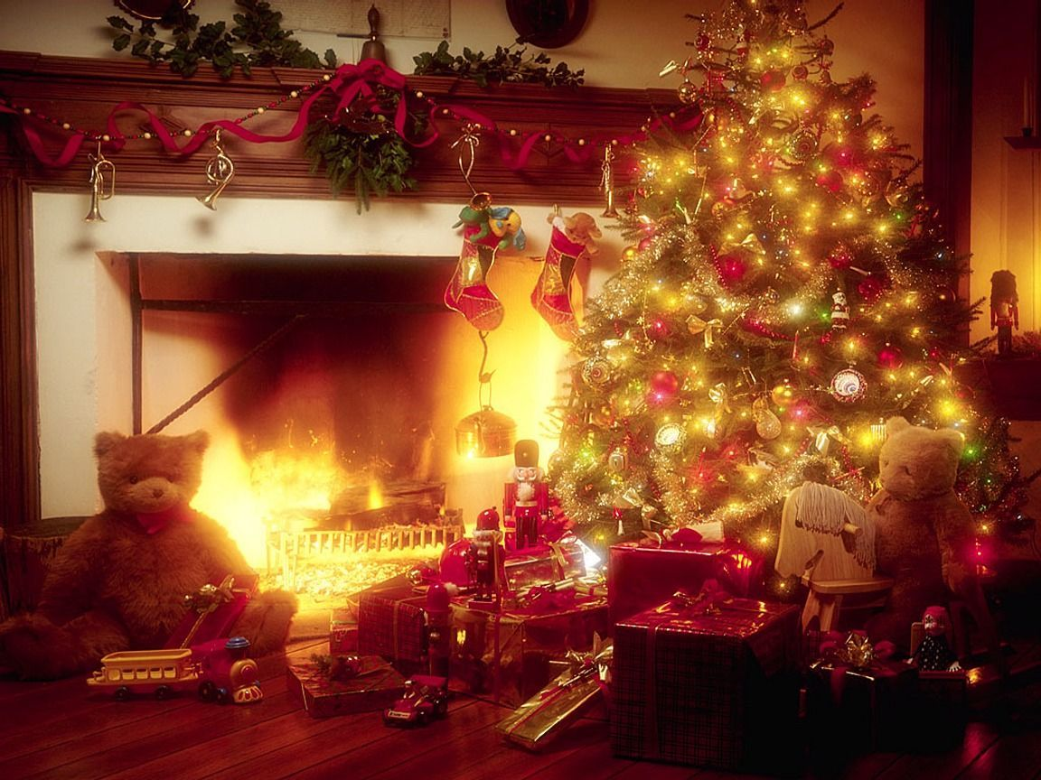 Peartreedesigns Christmas Tree And Fireplace Wallpaper