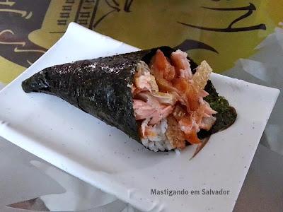 Kyuden Sushi: Temaki de Salmon Skin