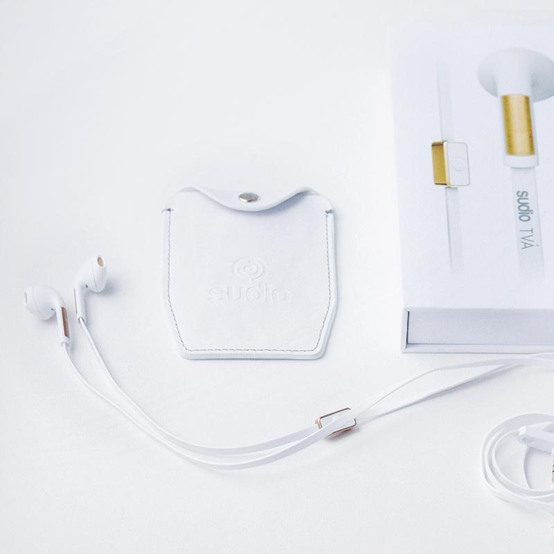 Sudio Två white and gold earphones