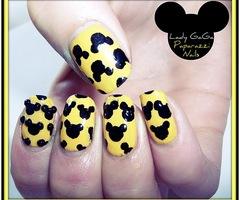 lady gaga paparazzi nail art