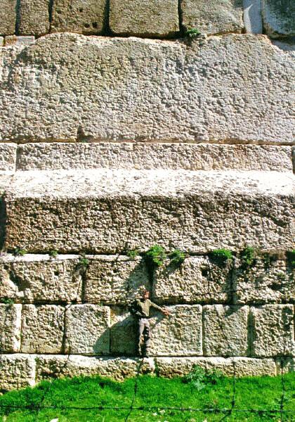 misteri kuil baalbeck