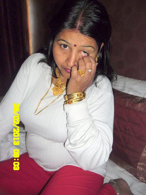 Young Indian girl Desi wife Babli Sharma sexy wife Babli Sharma