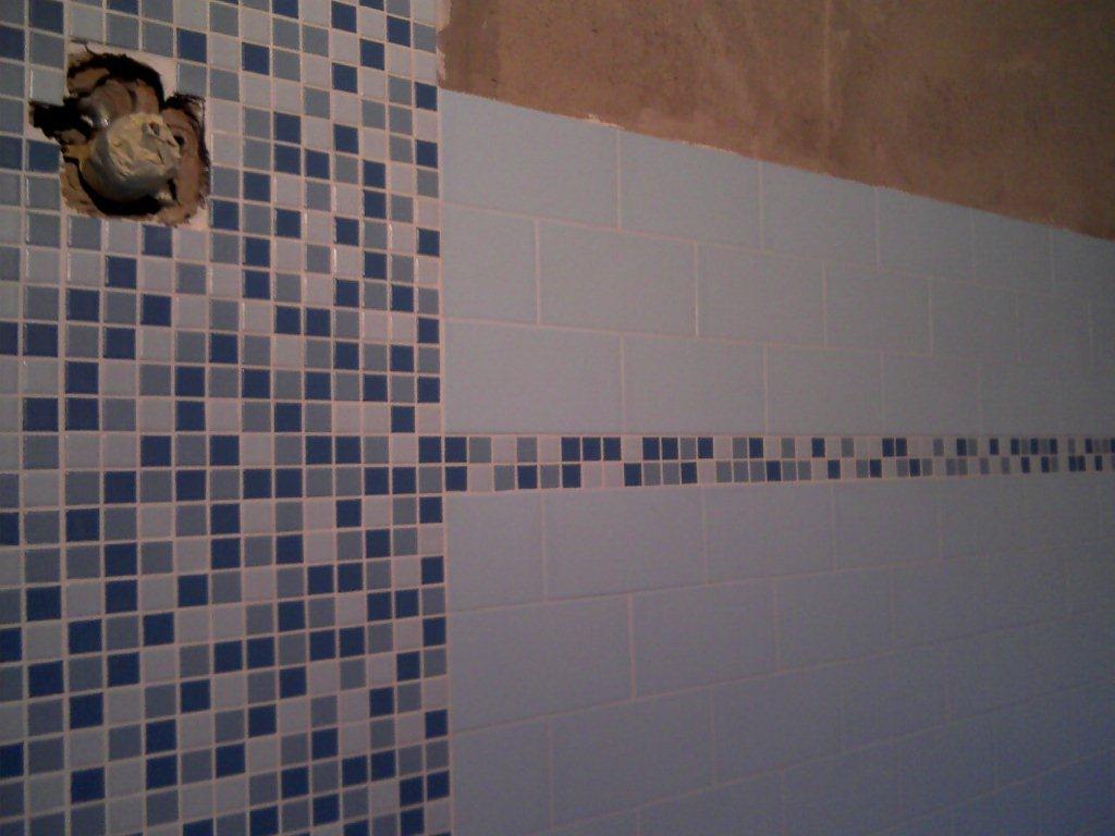 Bagno mosaico azzurro gabbatore mattia - Finto mosaico bagno ...