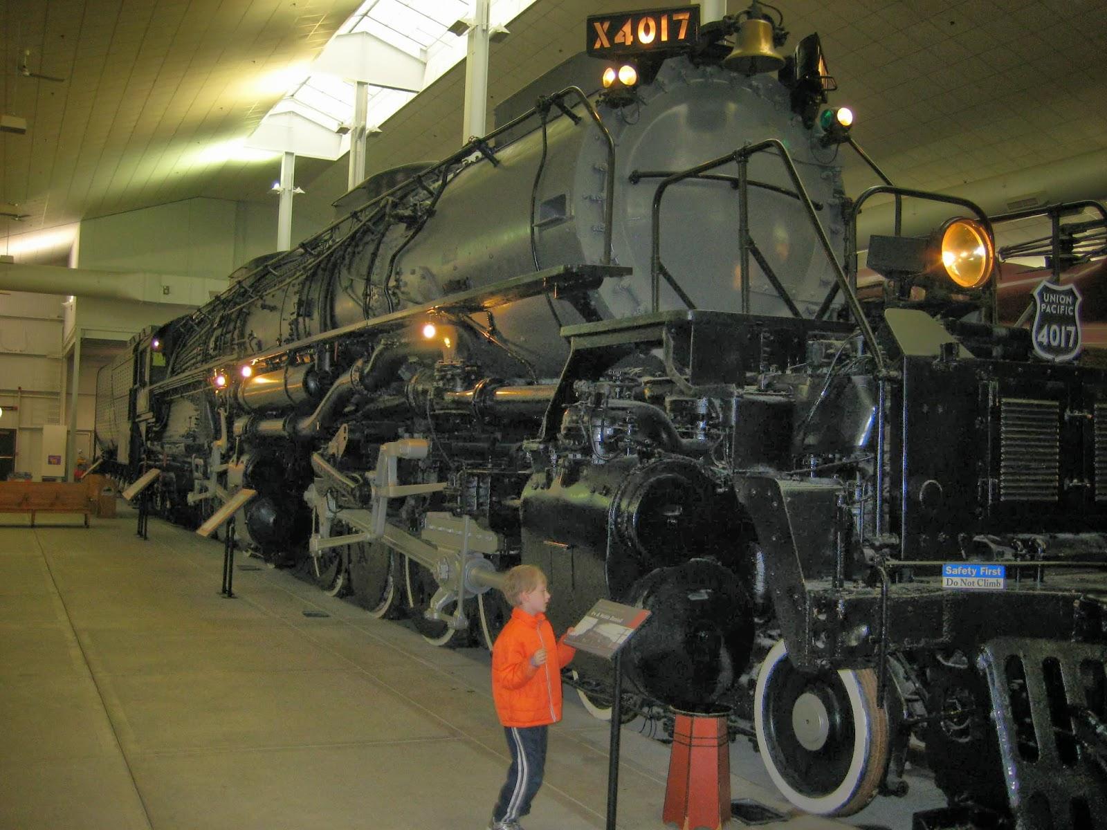 Big Boy Train Toys : Railroad kids hobby shop happiness train toys for bigger