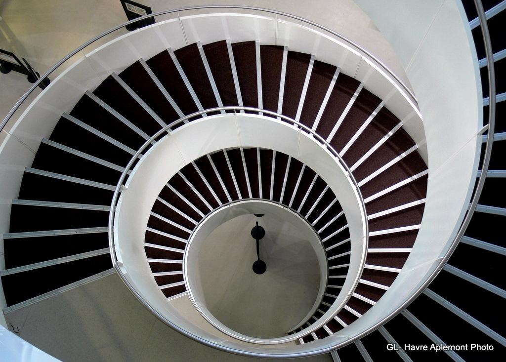 havre aplemont photo escalier spiral. Black Bedroom Furniture Sets. Home Design Ideas