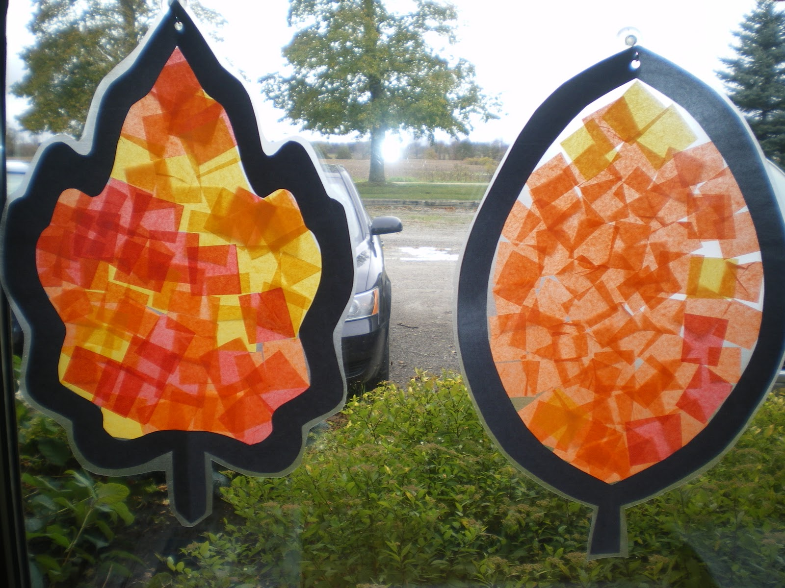 Mrs bremer 39 s class autumn art for Fall decorating ideas with construction paper