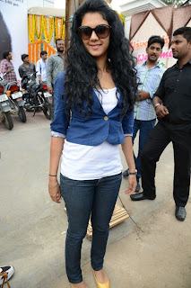 Kamna Jethmalani Pictures in Jeans at Naveena Clinic Opening  0022.jpg