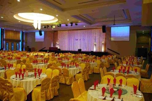 Chinese restaurant wedding reception gallery wedding decoration ideas certified bridechilla lauriat style reception junglespirit Gallery