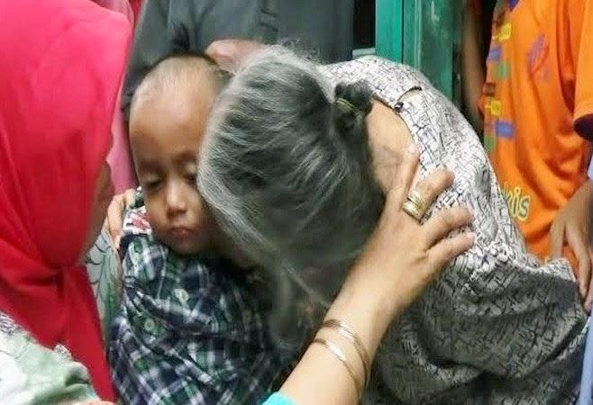 Sikembar Fauzi Fauzan dan neneknya