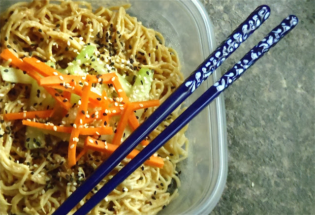 gluten free, vegan, oil free, cold noodles with sesame peanut sauce, tips on cooking vegetables, raw vegetables