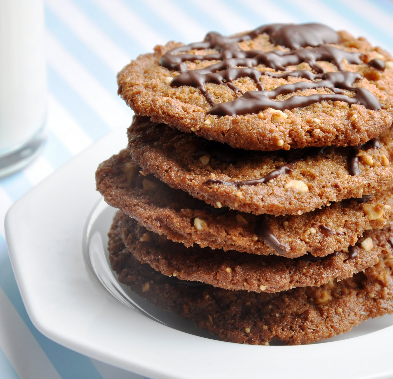 Flourless Peanut Butter Cookies (Reduced Fat & 210 Calories) - Honey ...