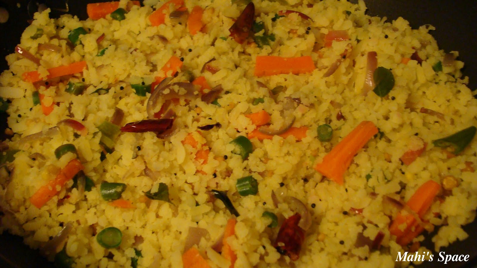 Vegetable Aval Upma / Vegetable Poha Upma ~ Mahi's Kitchen