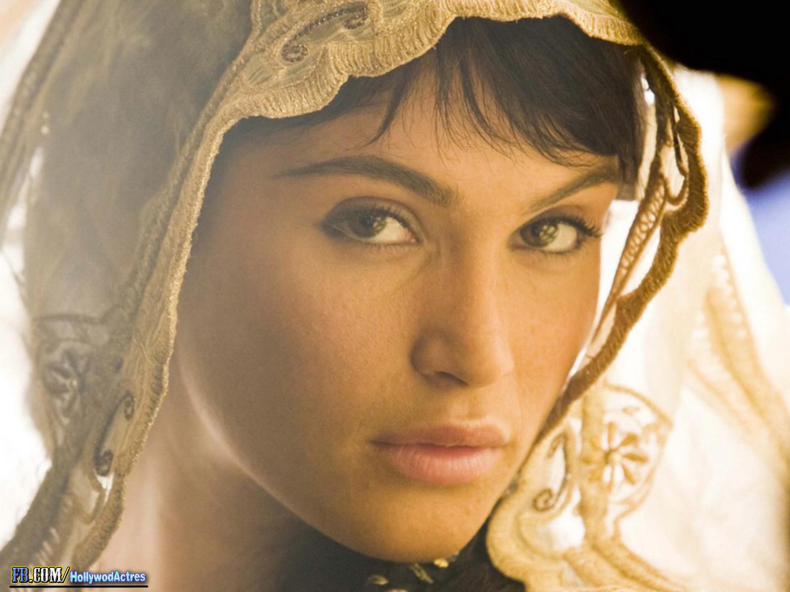 http://4.bp.blogspot.com/-CwTmS93MYio/USPK4UEHdpI/AAAAAAAANPk/M70D--j0uxg/s1600/Gemma+Arterton+16.jpg