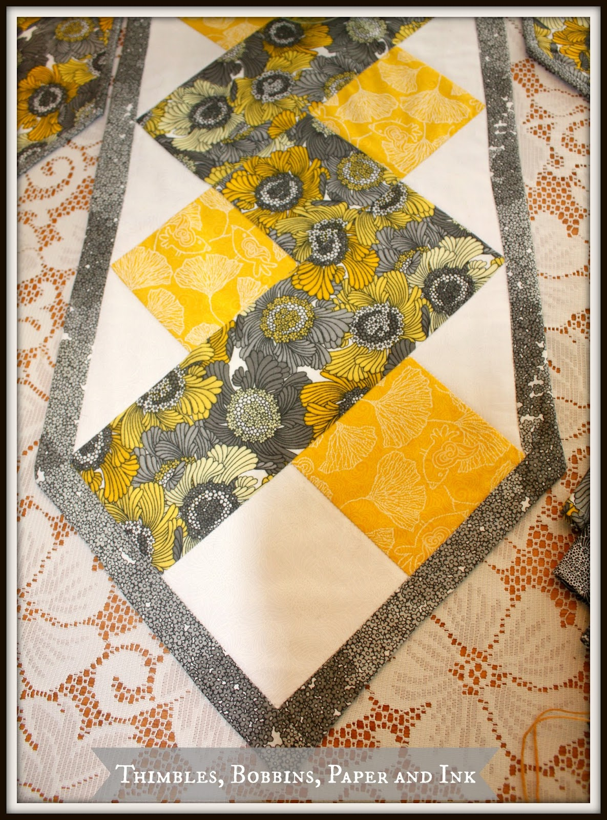 Sunflower Table Runner Pattern   Above Is The Zig Zag Pattern Of The Table  Runner This