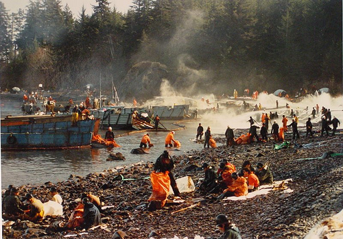 exxon valdez oil spill disaster 23032018 24th march 1989: the start of the exxon valdez oil spill disaster in alaska's prince william sound historypod loading unsubscribe from historypod.