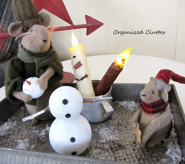 Primitive Christmas Vignettes www.organizedclutterqueen.blogspot.com