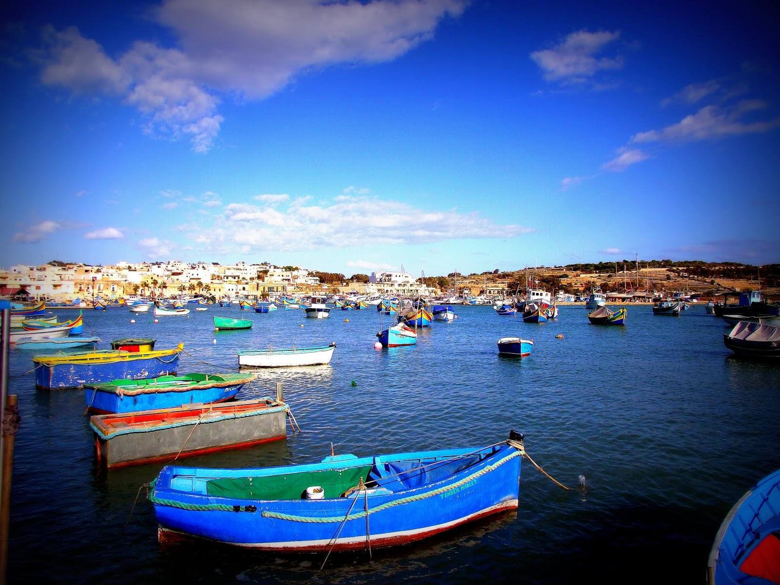 barcas luzzus en Malta