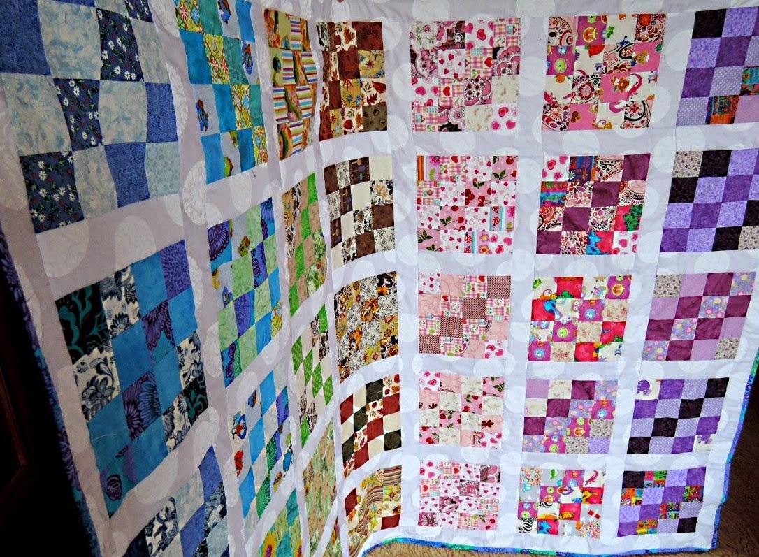 разноцветное лоскутное одеяло
