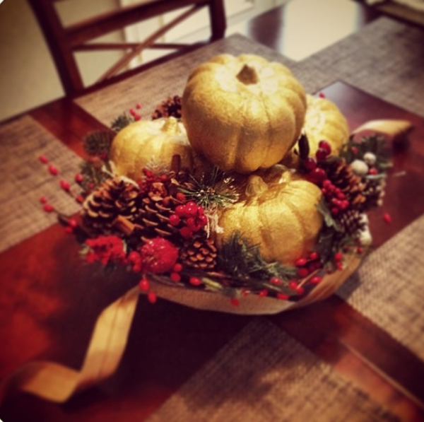 Holiday Table Centerpiece #christmas #centerpiece #holiday #table #gold #red