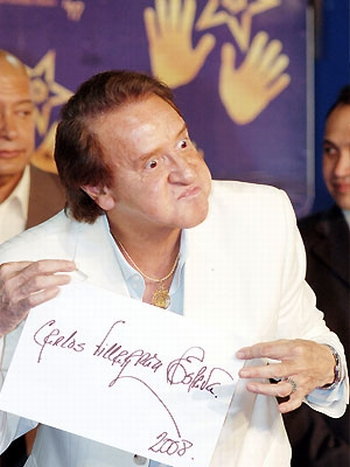 Biografía de Carlos Villagrán - Quico