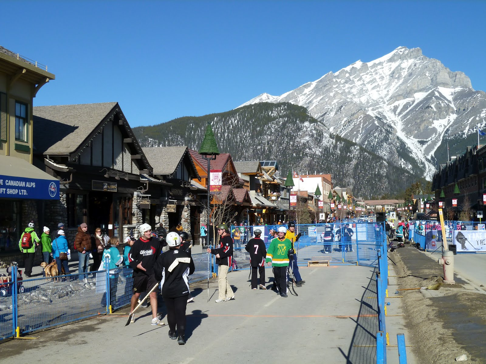 Labels: Banff Lake Louise Tourism Bureau