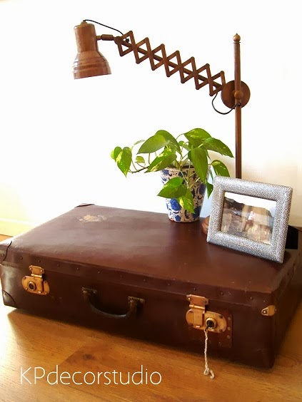 Decorar con maletas antiguas. Maletas viejas de segunda mano para decoración