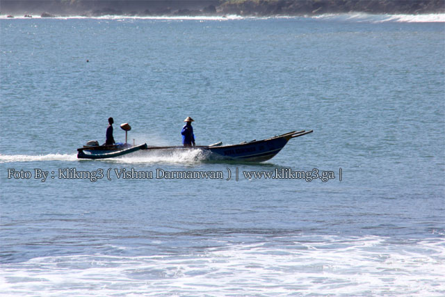 Pantai Menganti    Fotografer : Klikmg3 ( Fotografer Purwokerto )