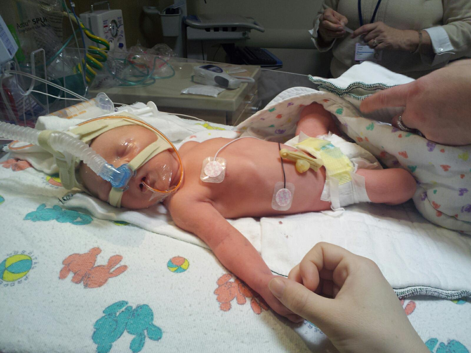 Preemie Resource Blog: Deanna + Oliver (35 Weeks)