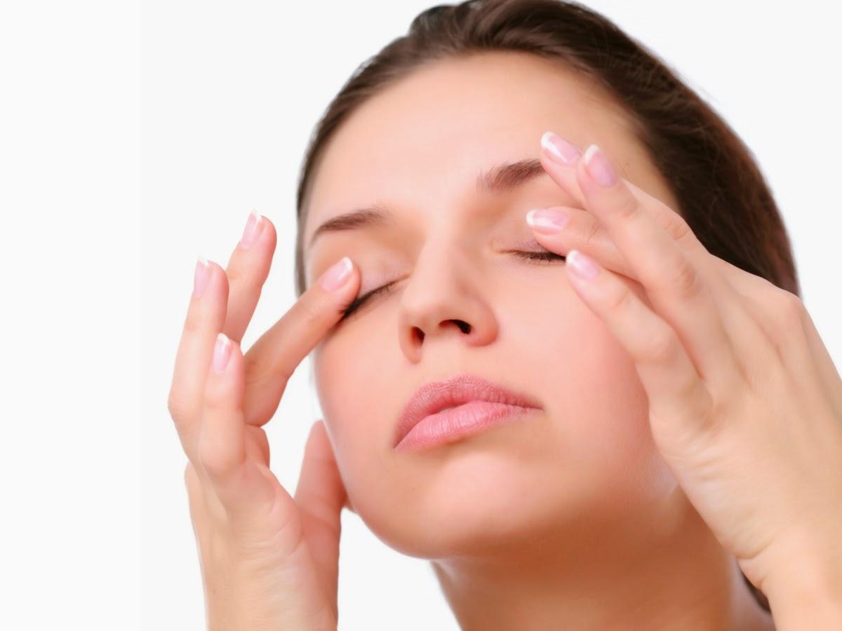 Как избавиться от отеков под глазами: причины и лечение 62