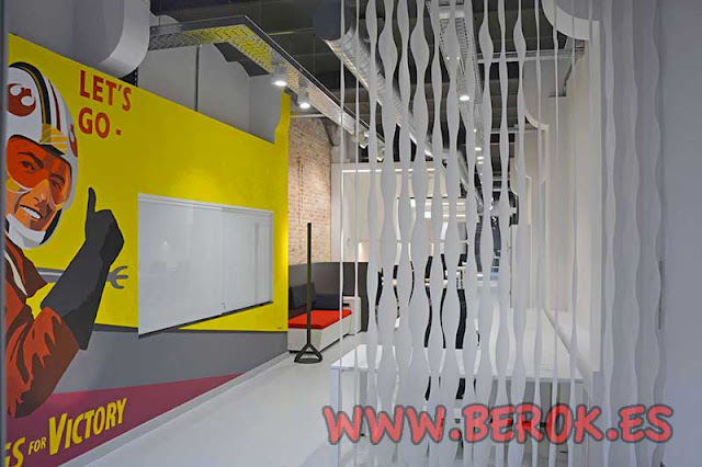 Decoración pintura mural Barcelona en oficinas