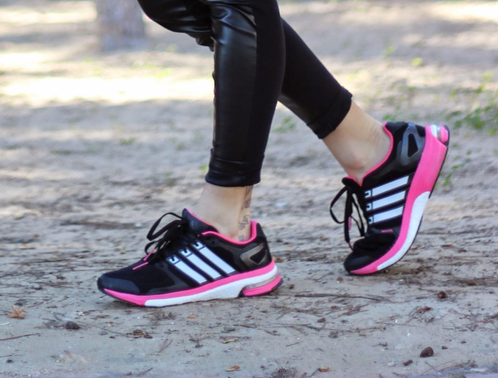 Sporty outfit - Adidas boost - Zapatillas deportivas - Fashion blogger - Bufanda manta