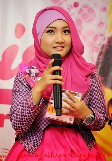 Jilbab Terbaru ala Fatin Shidqia Pinky Girly