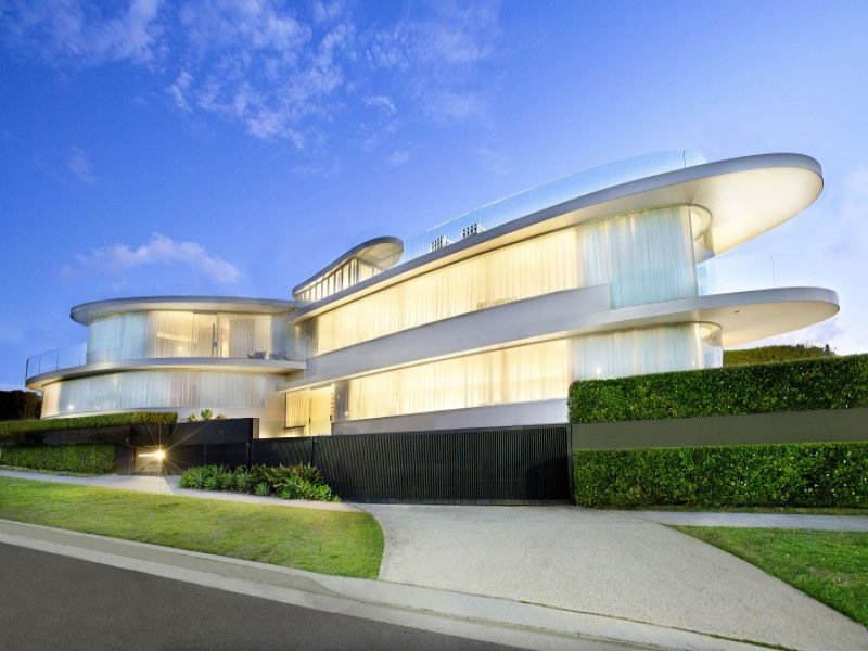 Unusual modern house with breathtaking sydney skyline for The most modern house