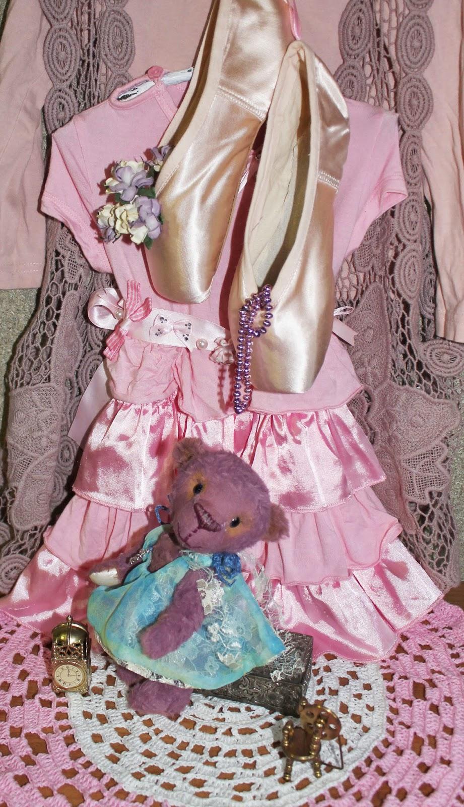 Лиловая мишка-девочка